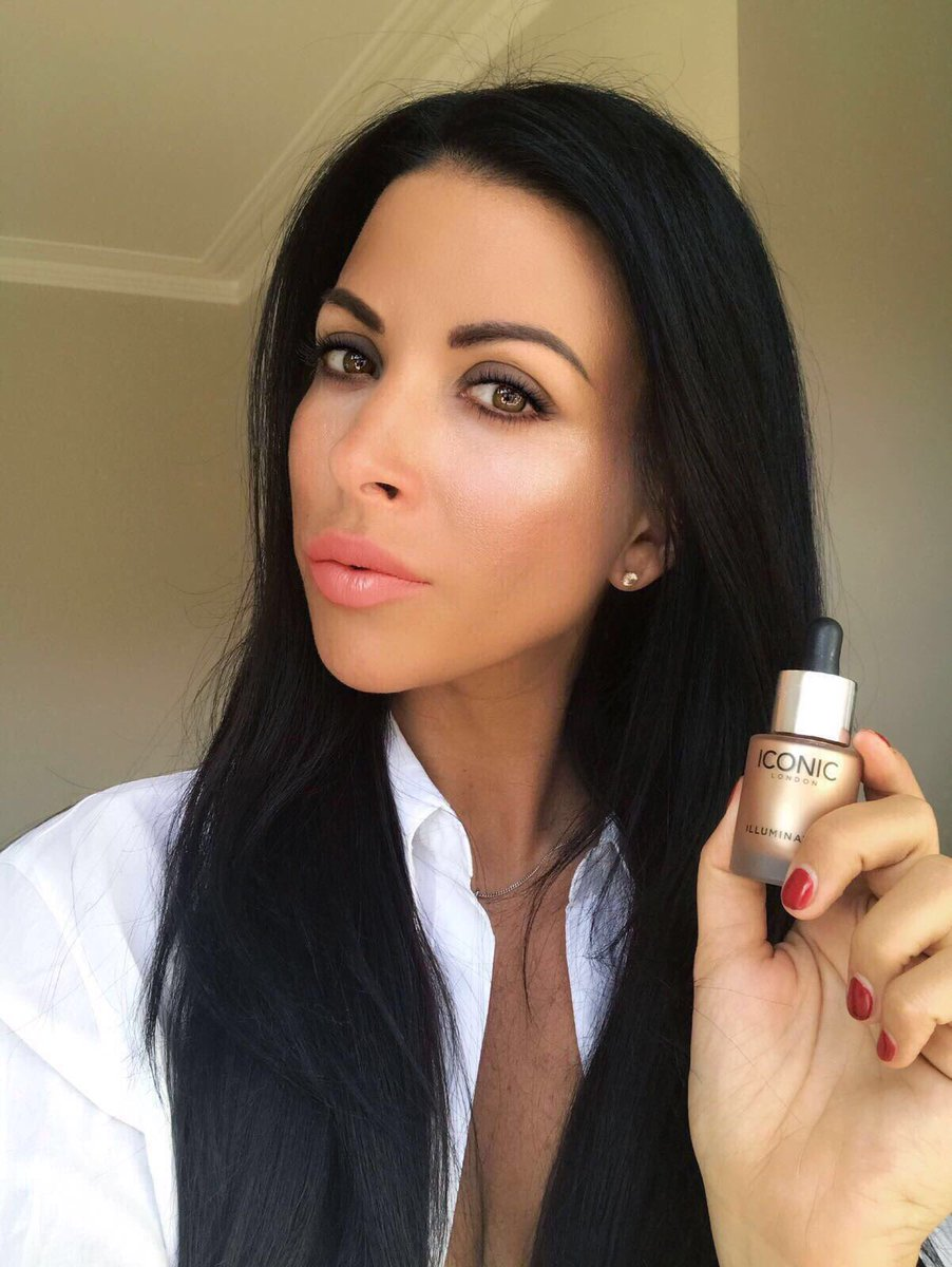 ✨ Honestly haven't stopped using my @ICONICLDN illuminator in original on my cheekbones ✨ it's the ultimate highlight 💖 #iconiclondon https://t.co/z8pjBGjQnJ