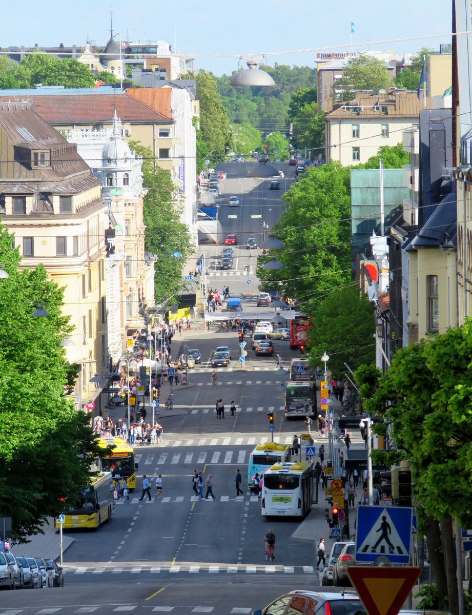A long street in Turku, Finland... Goes down and up again...  #turku #street #town #finland #aurakatu #kaskenkatu #summer #sunshine #suomi <br>http://pic.twitter.com/rgbnTwy2yx