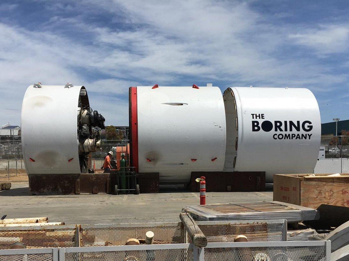 test Twitter Media - Elon Musk suggests L․A․ Mayor open to Boring Co․ tunnel network https://t.co/hJOltuSilQ by @etherington https://t.co/URFSOxrXOS