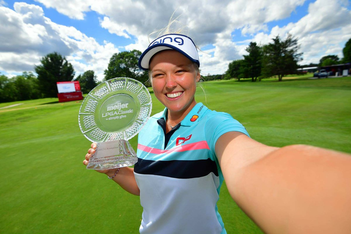 #LPGAWinnerSelfie with @BrookeHenderson @MeijerLPGA https://t.co/J0H4X...