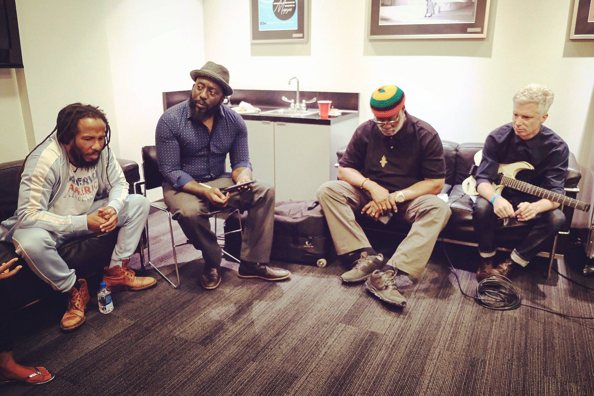 Pre-show band meeting listening to the mixes fe make sure we in sync with the @hollywoodbowl #orchestra. We hit the stage soon  <br>http://pic.twitter.com/qO8WXgBwEi
