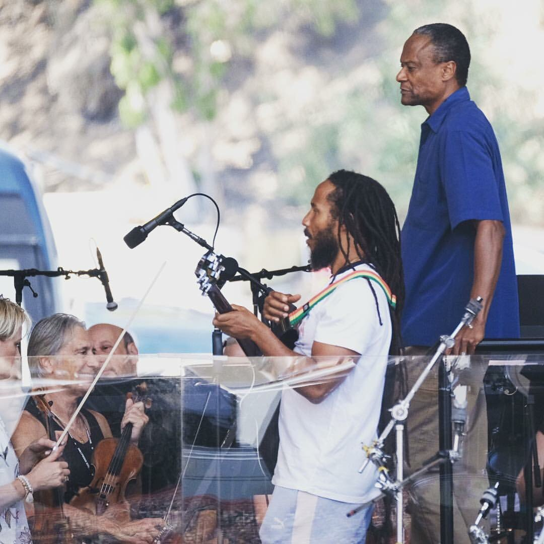 Sound checking and final tweaks with conductor Thomas Wilkins before our show tonight with the @hollywoodbowl #orchestra. Very excited! <br>http://pic.twitter.com/SXsxK3JTv8 &ndash; bij The Hollywood Bowl
