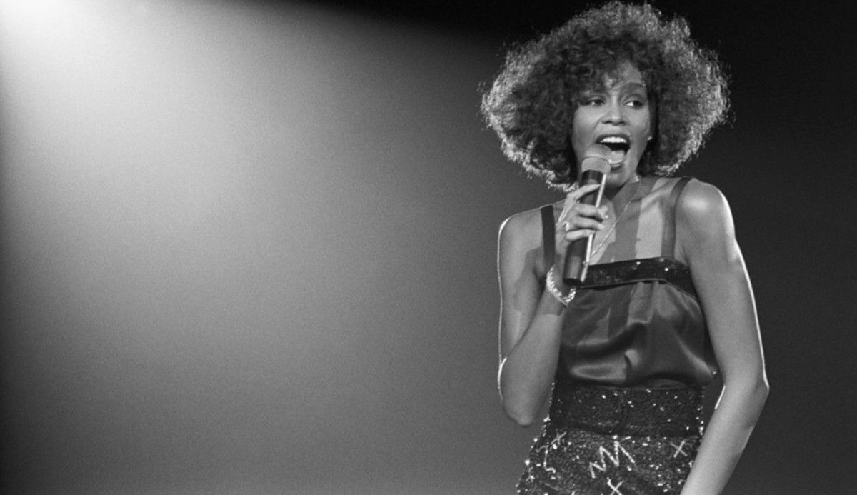 So tragic  This #WhitneyHouston #doco is in #Perth for one week only. Read more:  http:// buff.ly/2tCJSI7  &nbsp;   #review<br>http://pic.twitter.com/t8gkvskHvs
