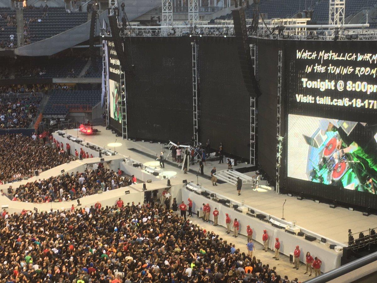 @JPonNASHFM our stage is bigger.