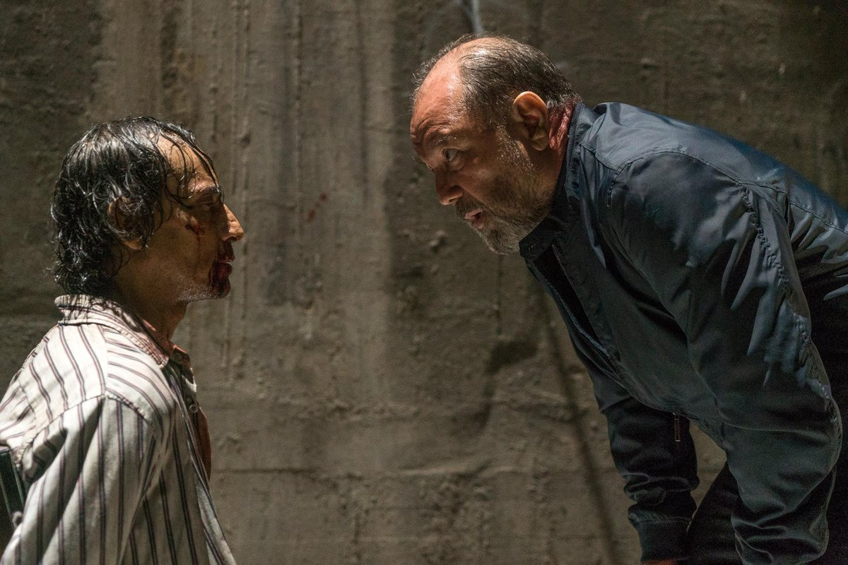 The #FearTWD showrunner on airing a Spanish language episode: https://...