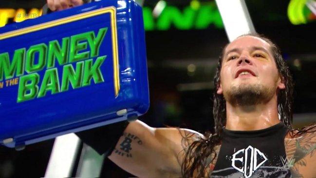 Baron Corbin se alzó como gran vencedor en WWE Money in The Bank https...