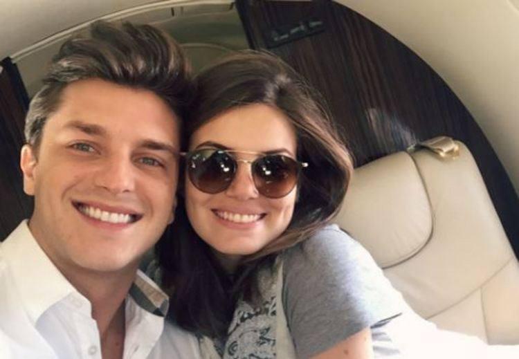 Camila Queiroz e Klebber Toledo estão noivos https://t.co/FCvLGQRb7e