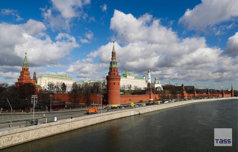 #Kremlin blasts #sanctions, warns move bound to backfire on its initiators  http:// tass.com/politics/952112  &nbsp;  <br>http://pic.twitter.com/2AUcdWhDPe