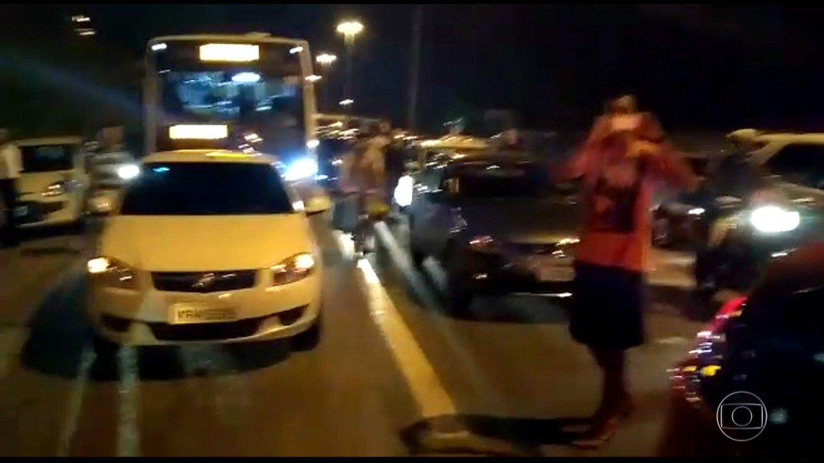 Arrastões assustam motoristas na volta do feriadão de Corpus Christi no RJ https://t.co/L50OEvmDTw #G1