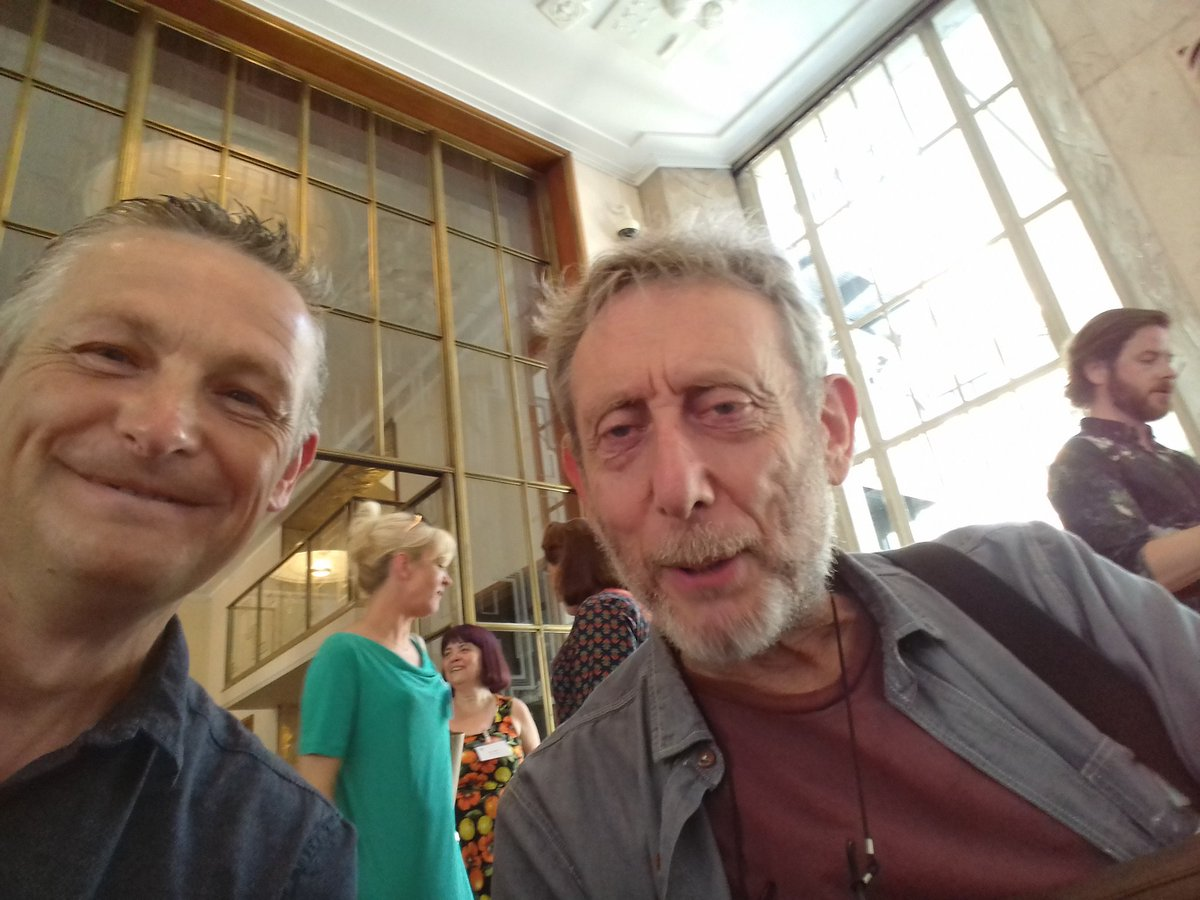 Thrilled to meet @MichaelRosenYes at #CKG17  @CILIPCKG and he smiled for me  #iamalibrarian #lovelibraries @ASCELUK @UKSCL<br>http://pic.twitter.com/RGN5w3TMRB