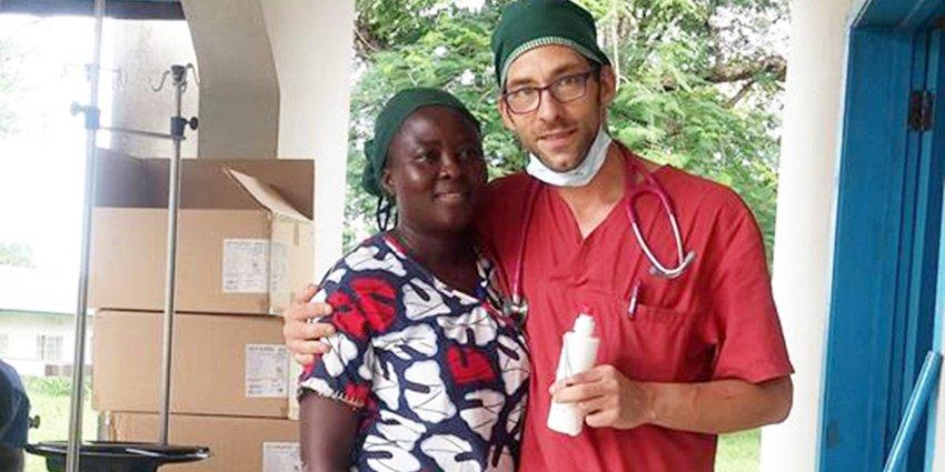 Vielen Dank an Einsatzarzt Frithjof Tandler, der ehrenamtlich 6 Wochen für uns in #SierraLeone gearbeitet hat! https://t.co/wFa21JTGiC https://t.co/Cvp5MKaTuz