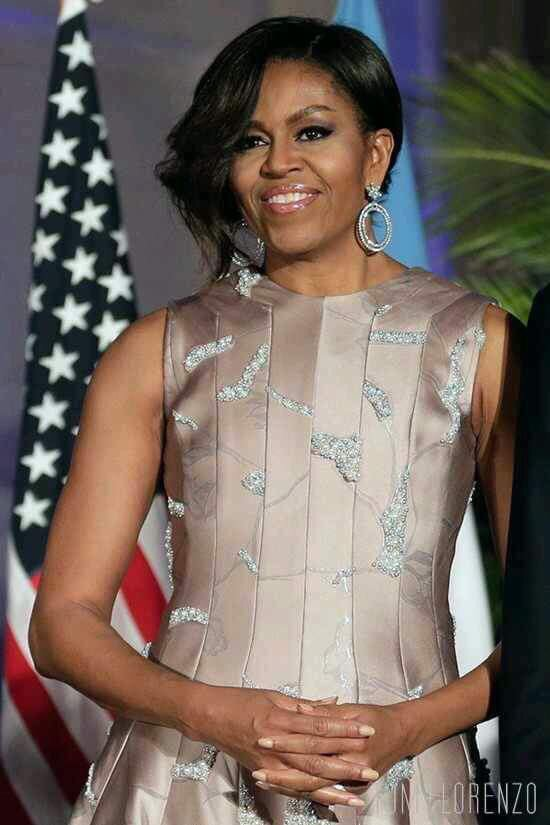 @MichelleObama the last lady with real class in the WH Pres @BarackObama #MichelleObama <br>http://pic.twitter.com/xuM8aQllhh