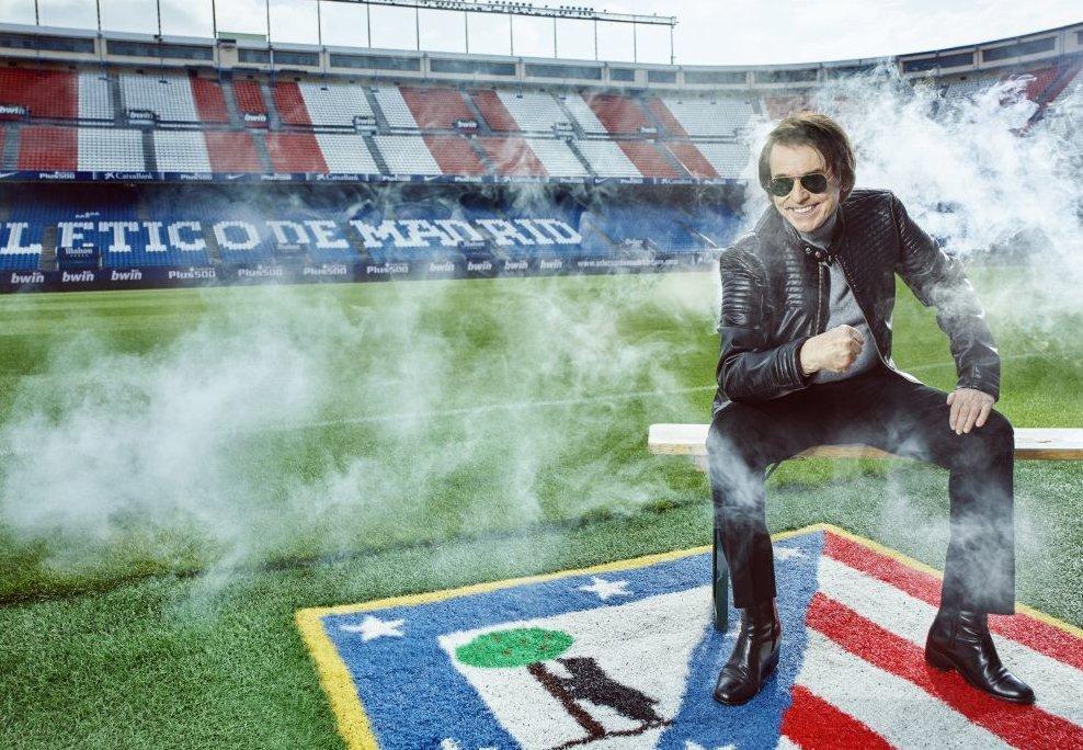 .@RAPHAELartista despidiendo el #Calderón en un reportaje de @telva. #Raphael y @Atleti: sinergias perfectas.  http://www. telva.com/estilo-vida/20 17/06/19/5947853fca474116158b45a1.html  … pic.twitter.com/AHLLyZwtLt
