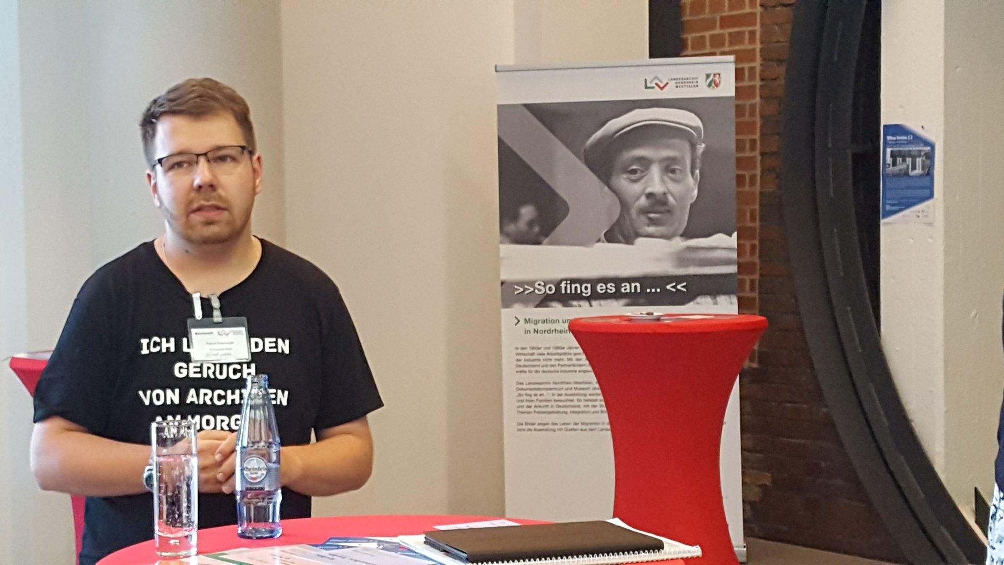Session I des ersten deutschen #archivcamp. Hier Patrick Frischmuth über #CreativeCommons https://t.co/gk4IzfnxJ0