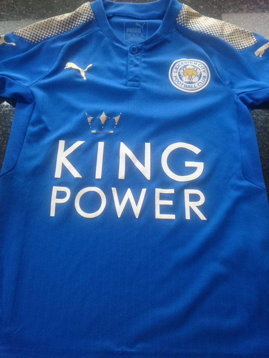 Second wear, washed as per guidelines. Not really good enough for a £35 child&#39;s shirt #lcfc @lcfchelp. One very disappointed little fox...<br>http://pic.twitter.com/pLV5TSInvN