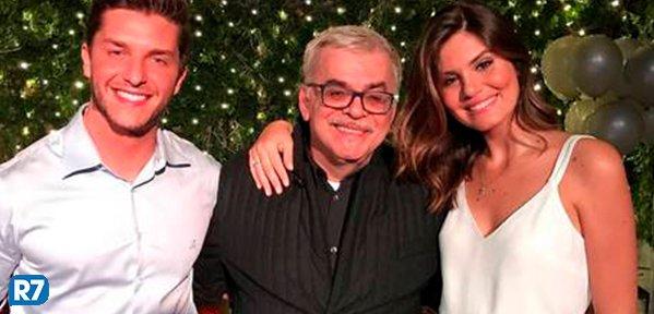 Viva os noivos 🎊🎉😍 Klebber Toledo e Camila Queiroz estão noivos https://t.co/u2DEzWcPrp