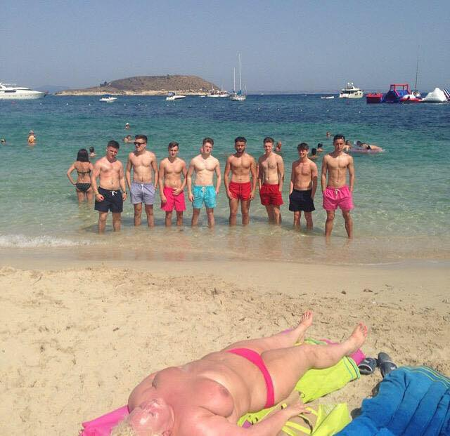 Best #Magaluf squad photo ever  RT <br>http://pic.twitter.com/s3G6GkmRi8