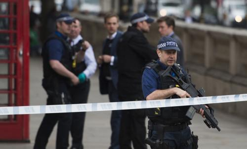 test Twitter Media - London: Man drives into crowd of people leaving mosque; 1dead https://t.co/MTDuHynyt9 https://t.co/0iDHk47nCR