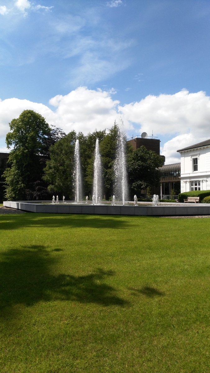 Have to say @UL looks pretty good on days like this #studyatul #Limerick<br>http://pic.twitter.com/qcK1ZyoB6s