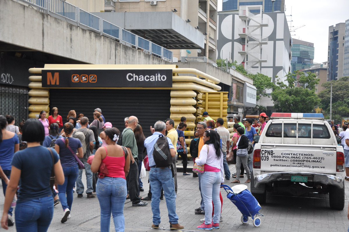 Bloqueados accesos a Caracas y el Metro cierra estaciones #19Jun