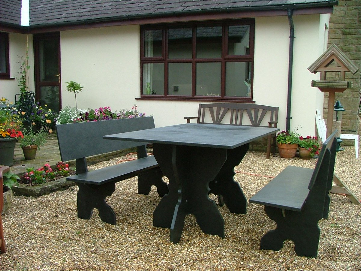 Win this stunning #LakeDistrict slate garden furniture worth OVER £1000! Follow+Retweet= enter!  @CumbriaWeather @LucyofAmbleside  #Friday <br>http://pic.twitter.com/IunBbcYzO8