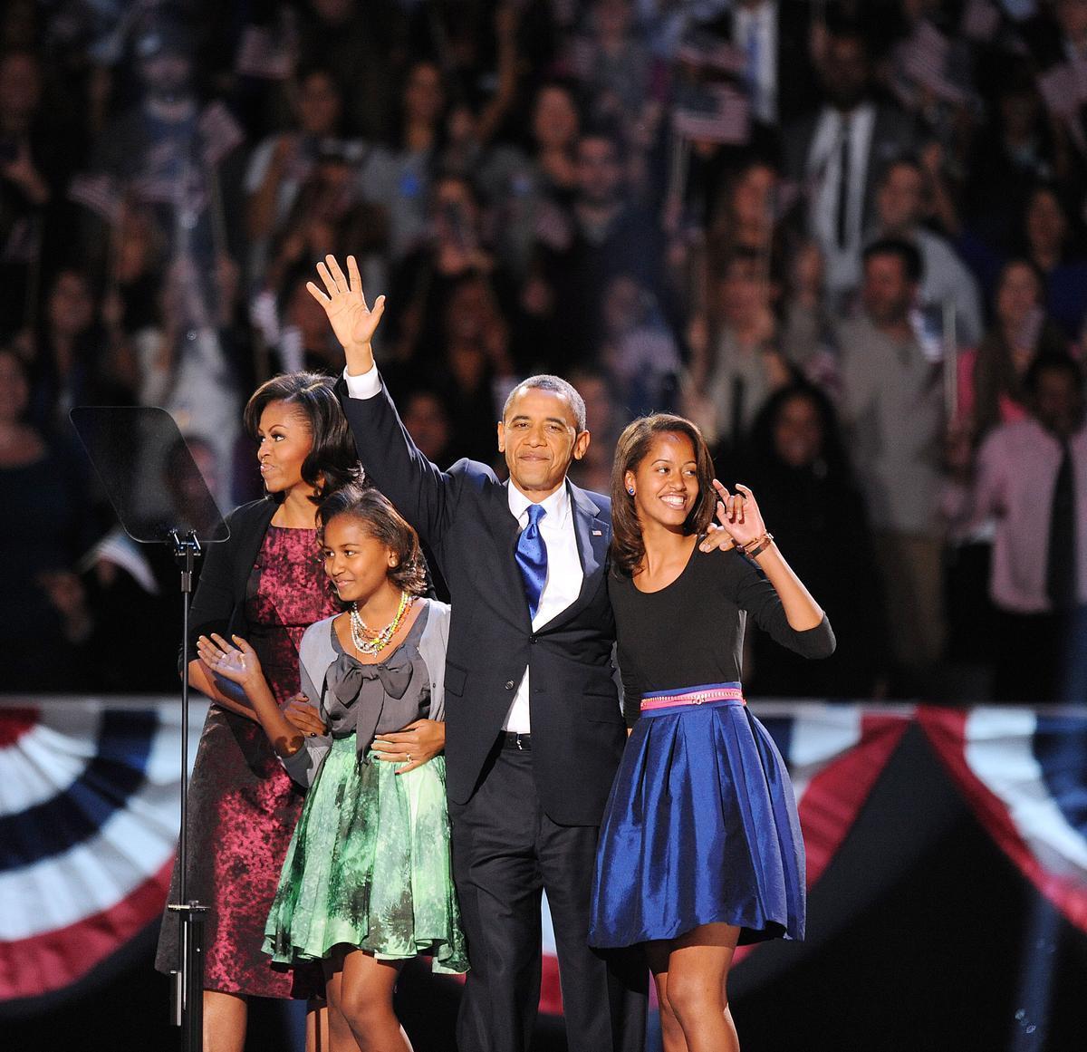 La touchante réponse de #BarackObama au message de Michelle pour la #FêteDesPères >> https://t.co/X5Q76GTGij