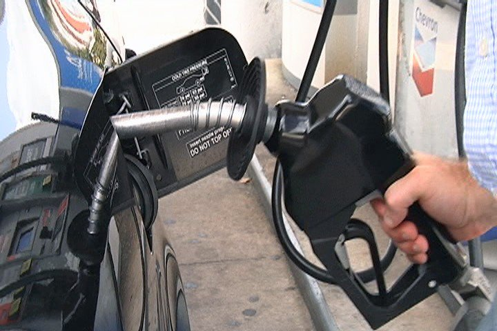 Florida gas prices drop, but could storms change that?