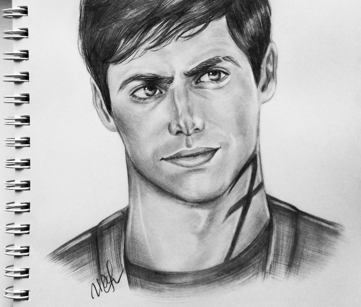 Finally done! @MatthewDaddario PLEASE, LOOK AT THIS I TRIED VERY HARD (Please, tag Matt) #AlecLightwood #Shadowhunters #portrait #sketch<br>http://pic.twitter.com/PSGEkZ8ld7