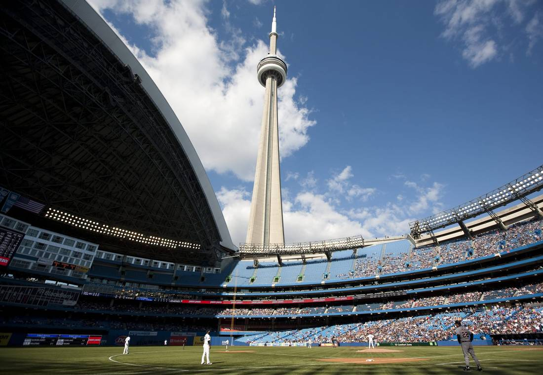 Take me out to the ball game! The story behind Toronto's most famous #roof:  http:// ow.ly/l7Bx30cIgdS  &nbsp;   #RogersCentre<br>http://pic.twitter.com/XcZysP1Rxf