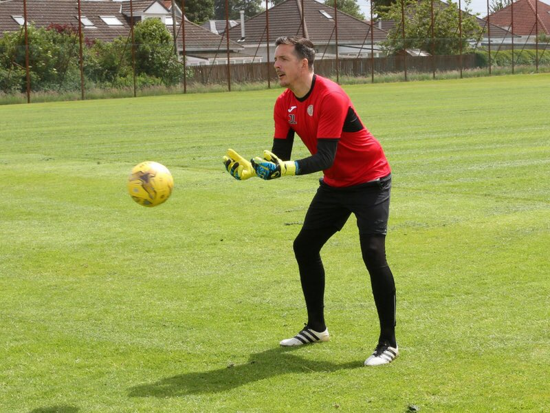Our head coach Jamie back pre season with the keepers at St.Mirren  #coaching #love<br>http://pic.twitter.com/AHTY9xHQYF