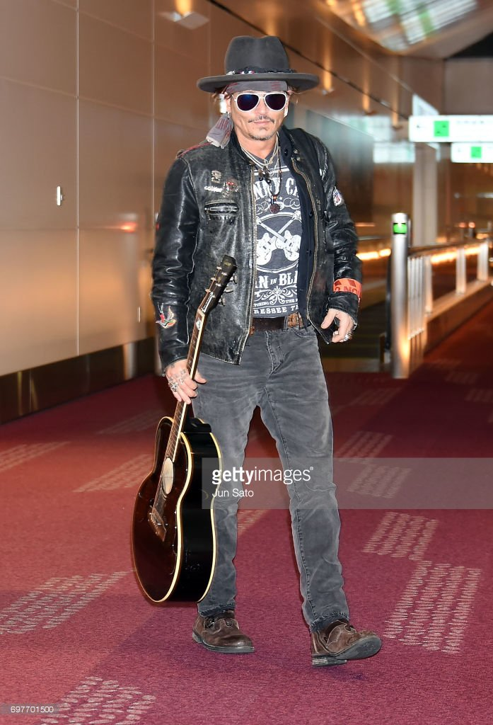 Johnny Depp Arrives In Tokyo. (Photo by Jun Sato) #PiratesOfTheCaribbean <br>http://pic.twitter.com/VLmMguzIs8