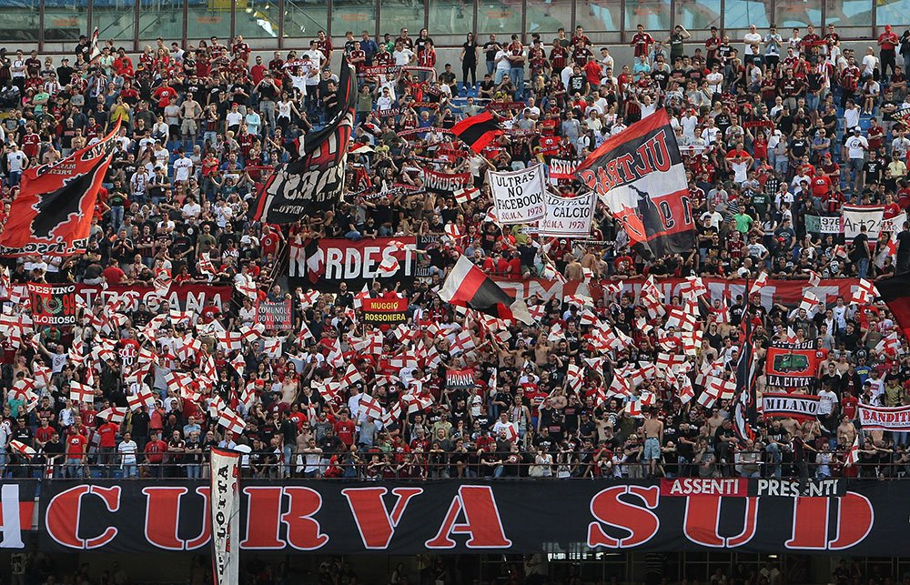 """Curva Sud: """"Raiola destroyed the image of Donnarumma in the eyes of all football fans"""" https://t.co/OD0wipj7Ij https://t.co/h8eyq0S9gY"""