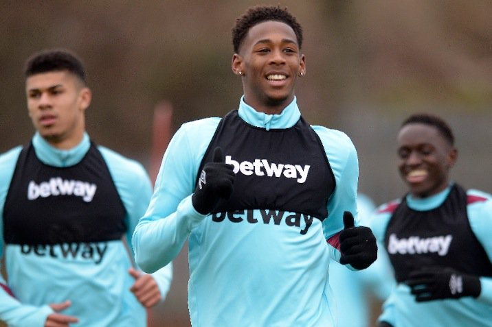 West Ham youngster Reece Oxford appears to have sealed a move to the B...