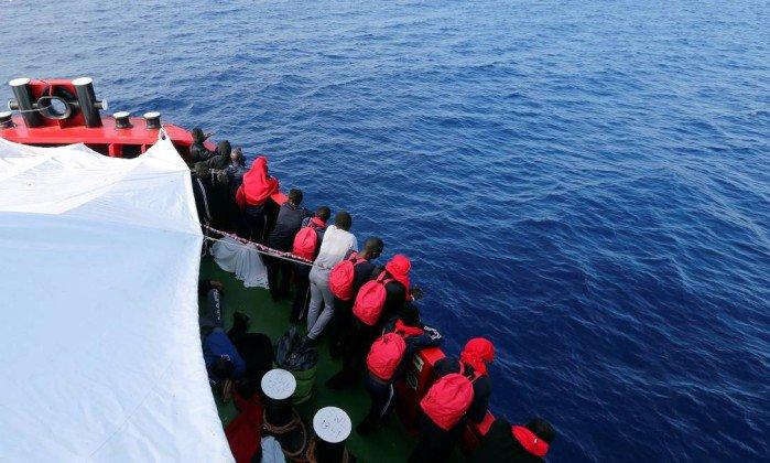 Mais de 120 imigrantes desaparecem após naufrágio no Mediterrâneo https://t.co/YzG2fO4EOd