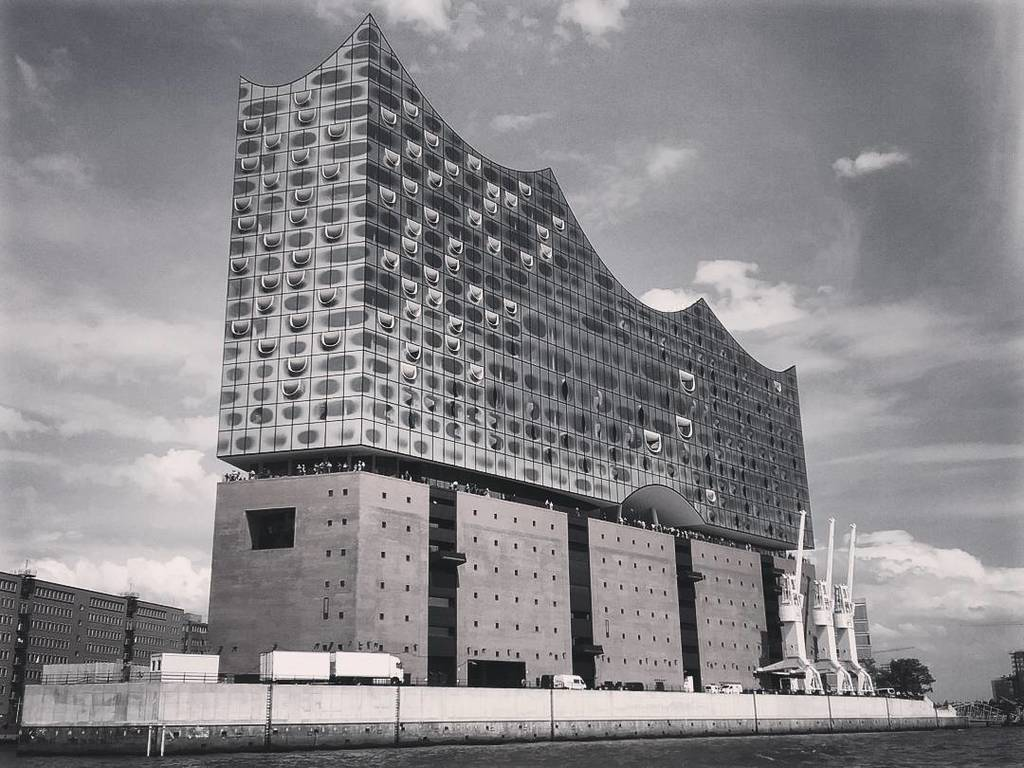 Only 6 months old and already the new symbol of Hamburg: the unpronouncable #Elbphilharmonie! &quot;Not bad.&quot;  http:// ift.tt/2sLCtcP  &nbsp;  <br>http://pic.twitter.com/3IsCyZDzi8