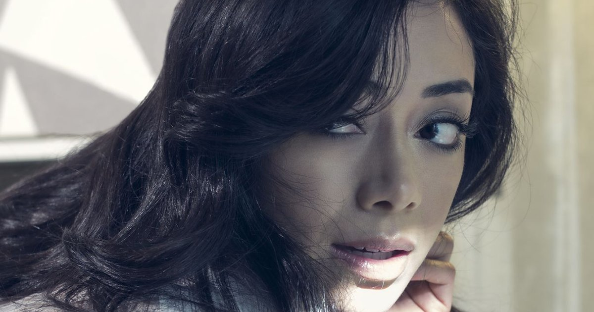 Our #EXCLUSIVE interview w/ @Aimee_Garcia is here. Enjoy!  http:// dccomicsmagyarorszag.blog.hu/2017/06/19/exc lusive_interview_with_lucifer_star_aimee_garcia &nbsp; … <br>http://pic.twitter.com/vjksOJav68