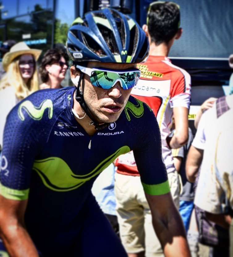 Jose Herrada of #movistarteam #movistar #heads to the start of the final stage of the #rds2017 #routedusud #cyclin…  http:// ift.tt/2rOsVsJ  &nbsp;  <br>http://pic.twitter.com/FSVyhyNO60
