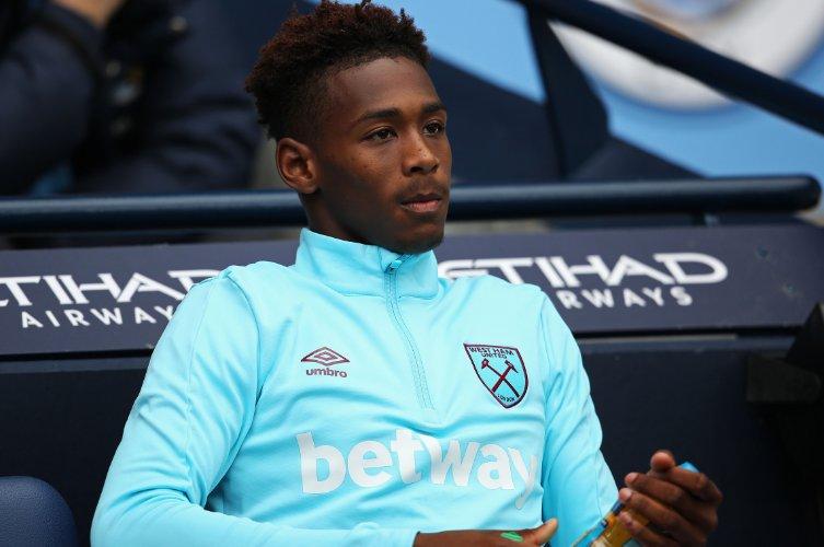 West Ham defender Reece Oxford is set for a season on loan in the Bund...