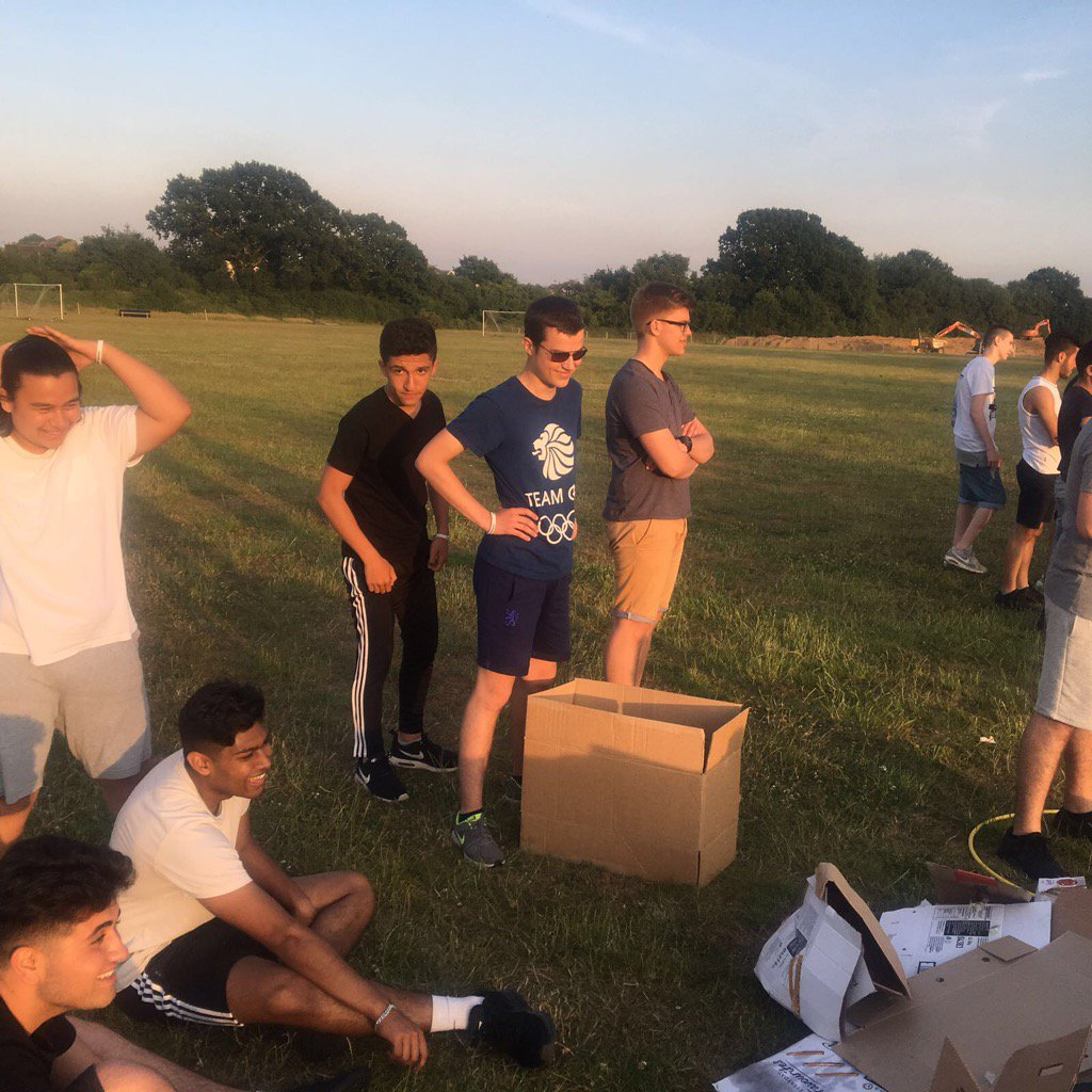 The sun is going down as @HarlowCollege learners complete their team work challenge @NCSIngeus @NCS #problem solving <br>http://pic.twitter.com/OMyZIj2MEc
