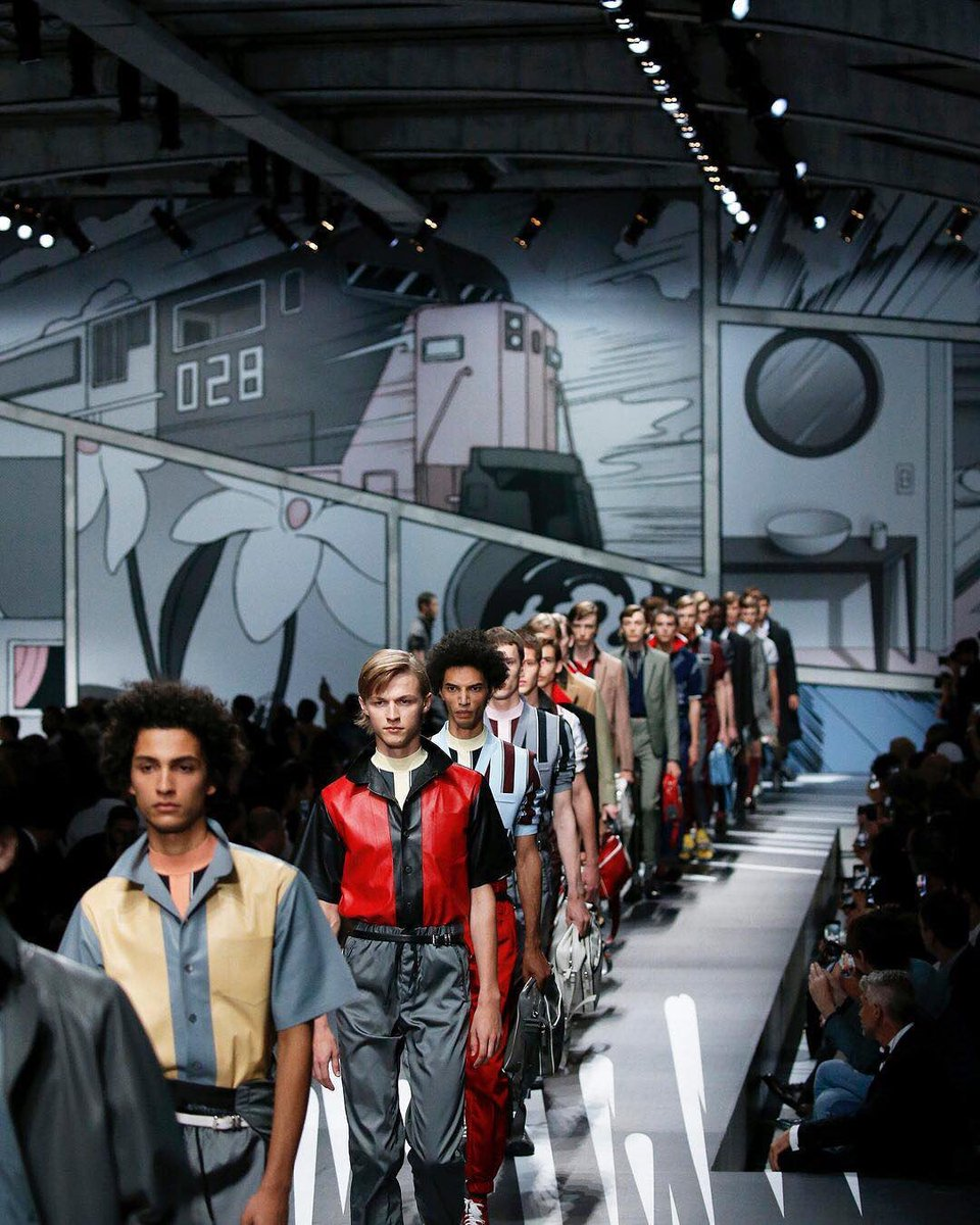 """Comic book crew  Miuccia Prada was inspired by the """"hand-drawn"""" world of graphic novels for @Prada&#39;s menswear collection. #FashionWeek <br>http://pic.twitter.com/SmFAWa5ehr"""