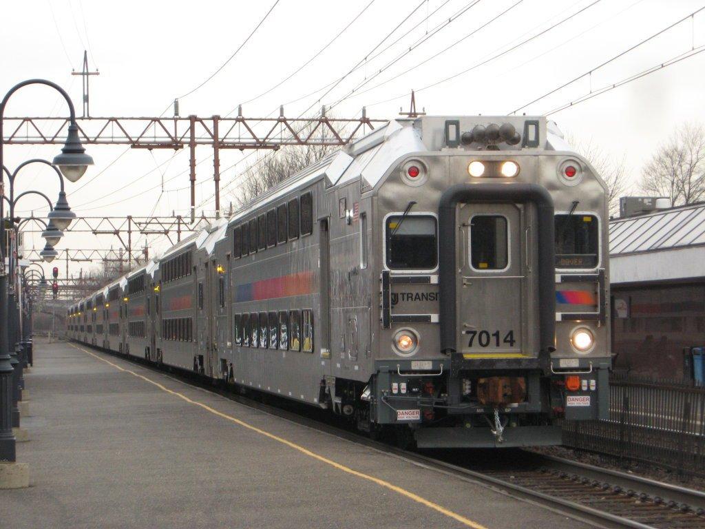 NJ Transit on-time performance hits new low #NJTransit https://t.co/vO...