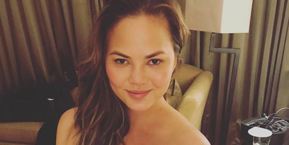 Who took this strategically naked Instagram of Chrissy Teigen? ellemag.co/PlsfFa9