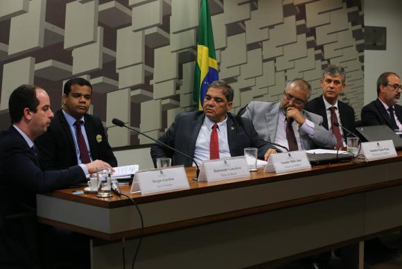 CPMI da Previdência: em audiência, grandes bancos negam terem dívidas com INSS https://t.co/aljo0WTZKo (📷Fabio Rodrigues Pozzebom/ABr)