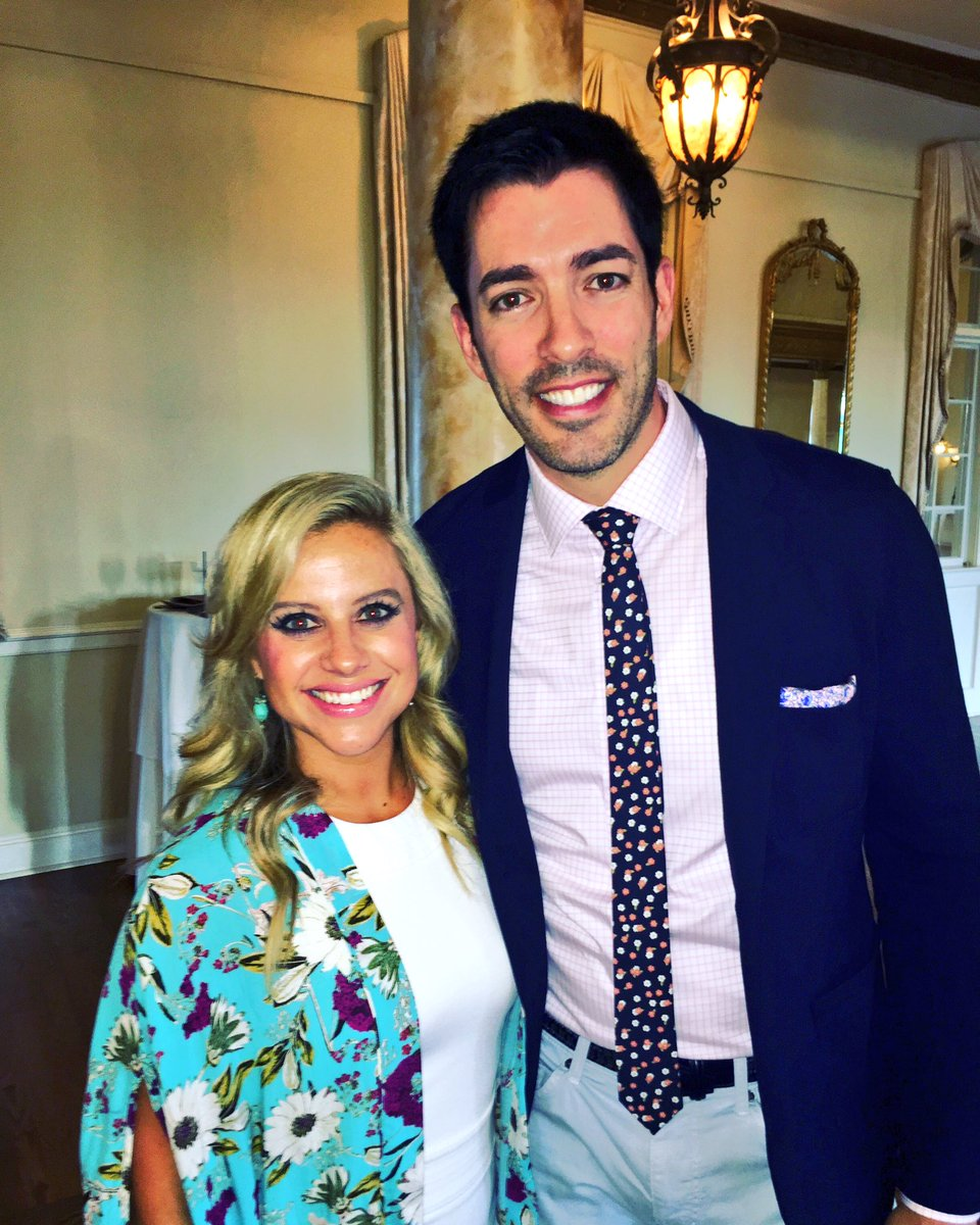 Abby Ham On Twitter Drew Scott From The Property Brothers Was Awesome And Tall Hgtv