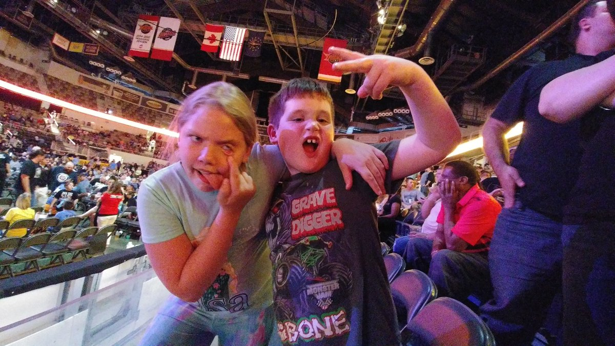 #WWEIndianapolispic.twitter.com/50CLh88WYY