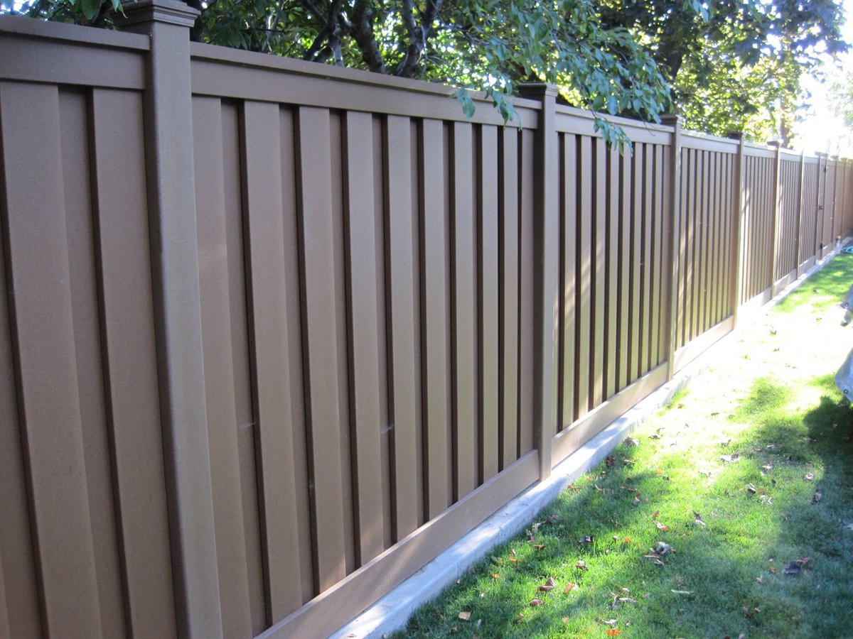 Install Your Trexfence On A Strip Of Concrete Or Brick So You Can Mow The Edges Lawn Mowstrip Lifehackpic Twitter Viyf4f8sfl