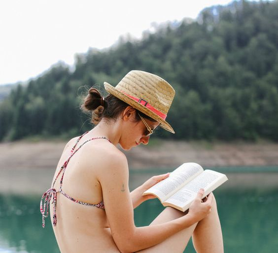 7 #LifeChanging Books To Read This #Summer (According To A Stanford Happiness Expert)  http:// ow.ly/CgH330cIuRj  &nbsp;  <br>http://pic.twitter.com/ze5qjN14tF