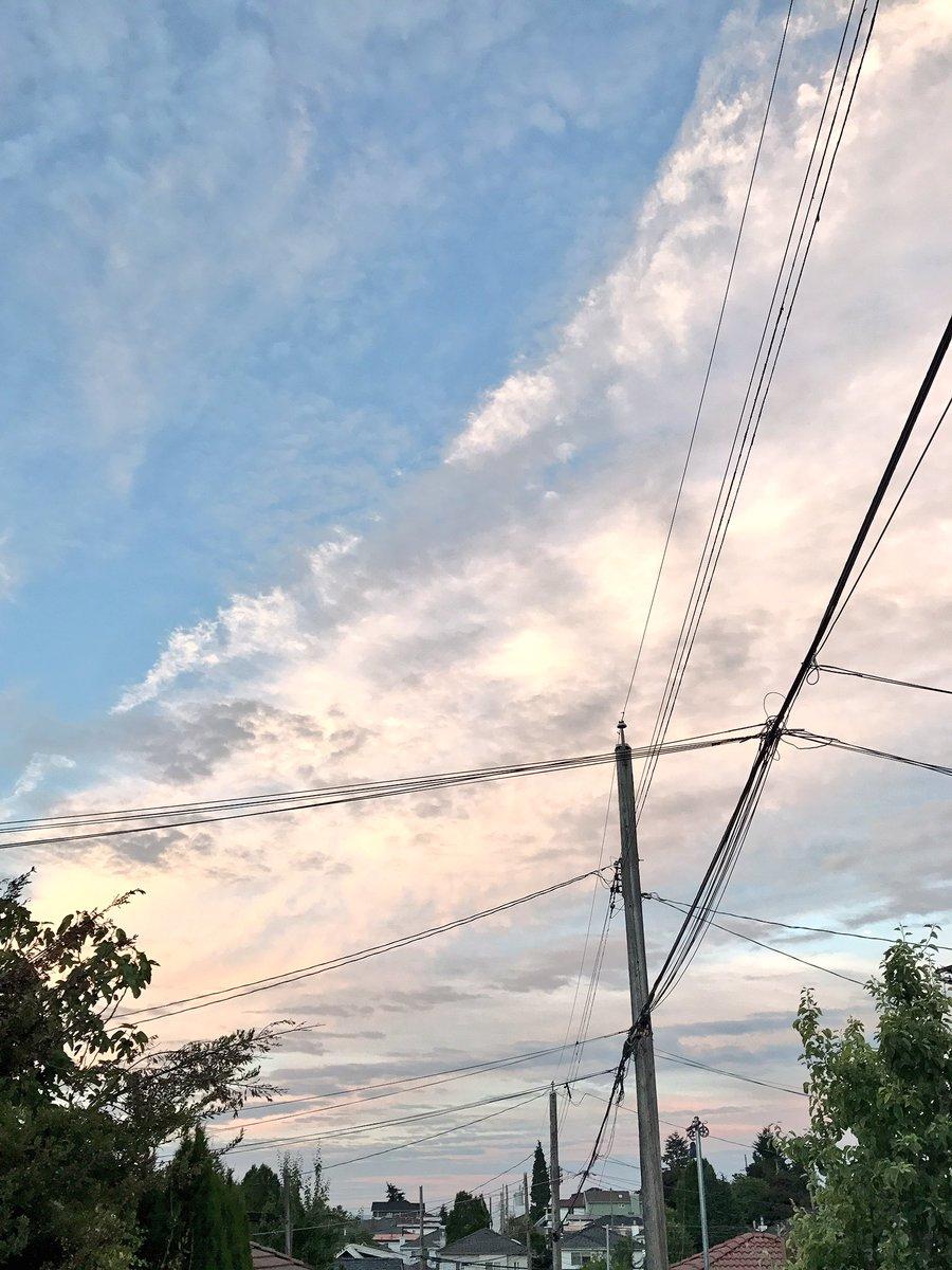 The sky is #INSP tonight <br>http://pic.twitter.com/Vxm3JnmOkf