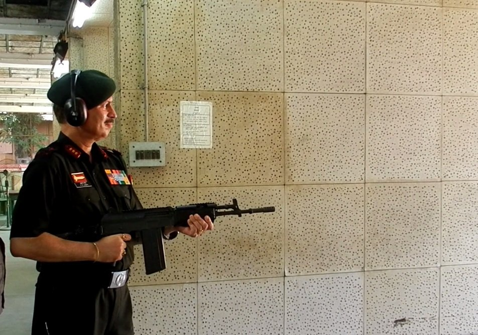 Indigenously built assault rifle set for Mhow test