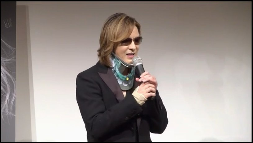 #Yoshiki Press Conference on #YoshikiChannel just now !! :  http:// live.nicovideo.jp/watch/lv300829 240 &nbsp; …  @YoshikiOfficial<br>http://pic.twitter.com/8rUFPMAMkr